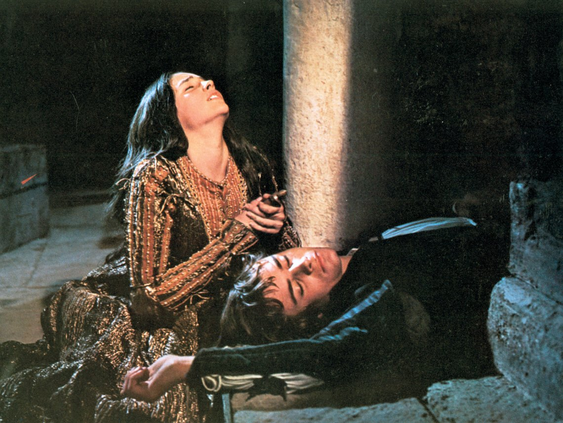 Image Result For What Does Romeo Say To Juliet On The Balcony